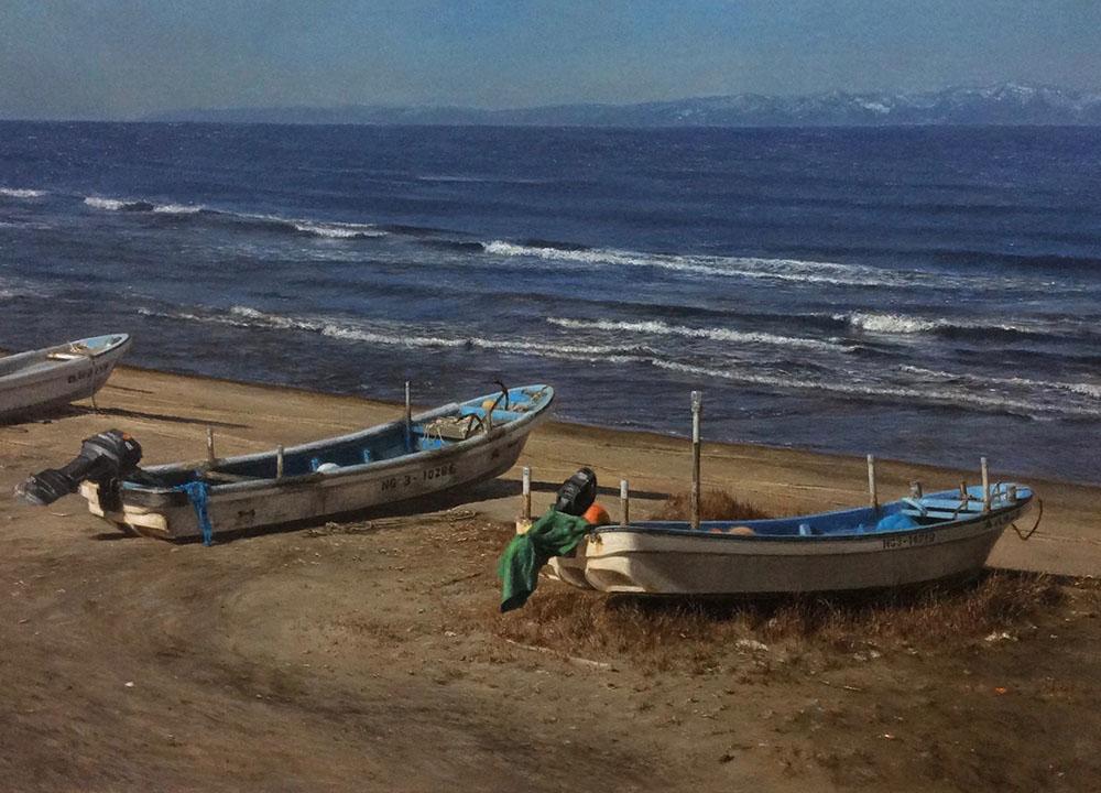 橋本直行_長岡市寺泊の風景_佐渡の見える浜